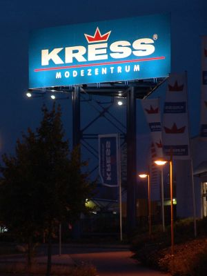 13_KRESS-Modemarkt_Pylon.jpg
